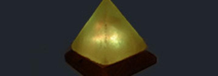 USB lámpa piramis